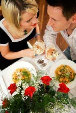Tips para una cena rom ntica exitosa como conquistarlo - Detalles para cena romantica ...