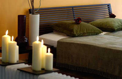 C mo decorar mi habitaci n para una noche rom ntica como conquistarlo - Velas para decorar habitacion ...