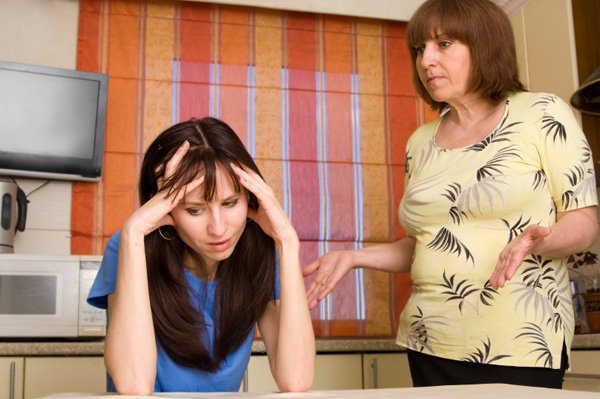 Lidiar con tu suegra no es tarea fácil, pero debes tener paciencia